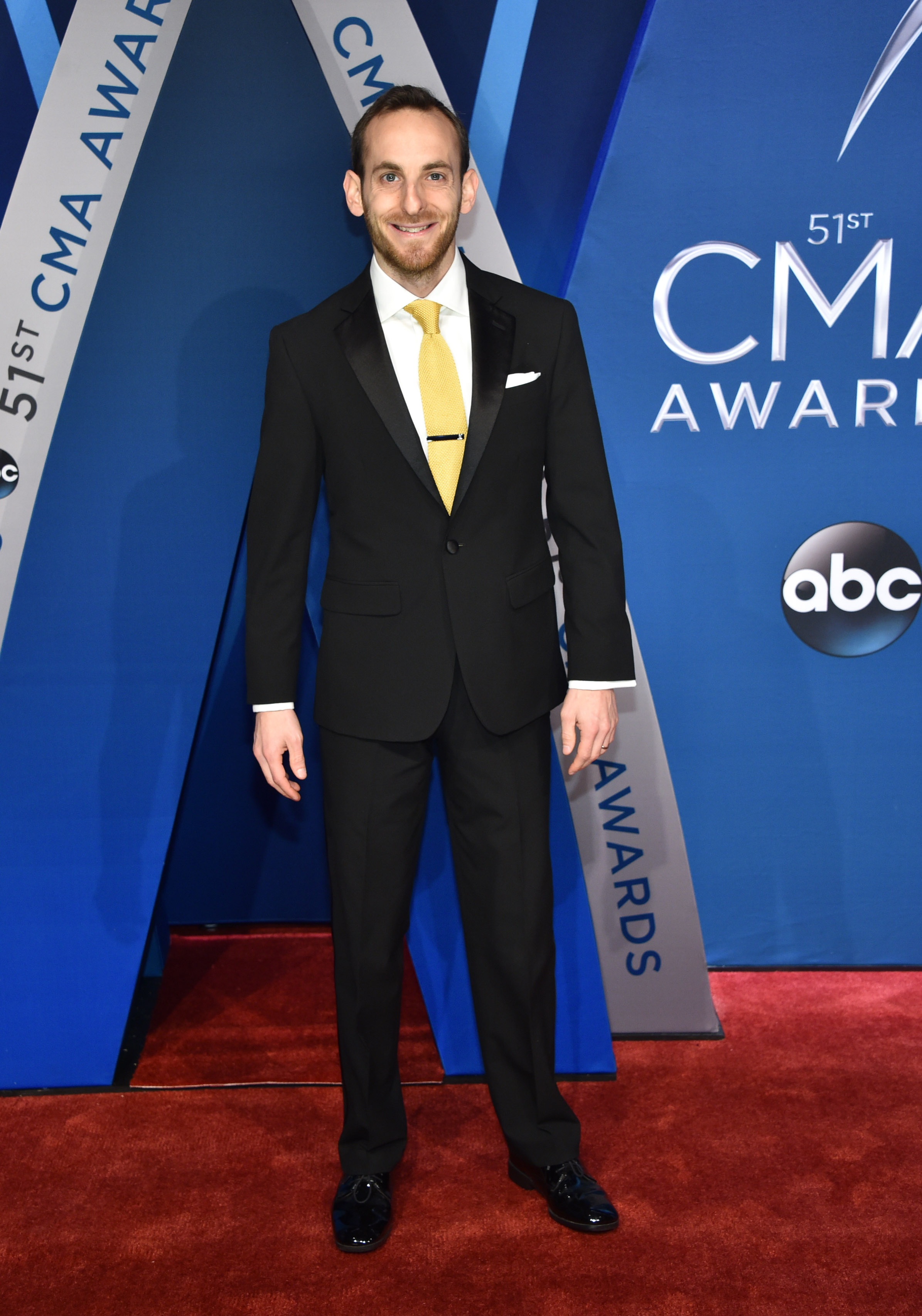 Sam red carpet CMA Awards 2017